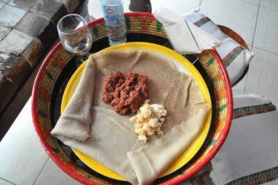 エチオピアの生肉料理「クトゥフ...